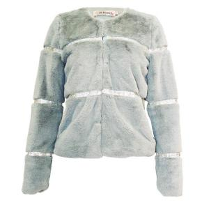 Jacket model: 002 - olimara