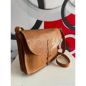 Leather Clutchbag  - Wanjiline Leather